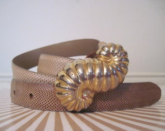 """Seashell - vintage light taupe leather belt with large, brass SHELL buckle - century of Canada - small to medium, 27 to 31"""" waist"""