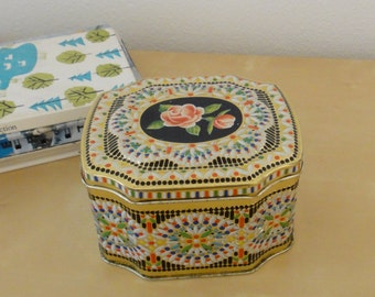 Vintage Floral and Mosaic Colors Tin