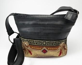 Vintage embroidery  and recycled bike inner tube bag - cykelslange og vintage broderi genbrugt til cool taske