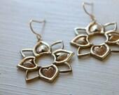 Sunflower Earrings / Golden Bronze Sunflower / Bohemian Earrings / Rustic Wedding / Boho Chic Gold Earrings / Farmhouse Wedding Jewelry