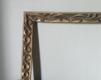 ON SALE Vintage gold frame - swirly pattern - art nouveau style