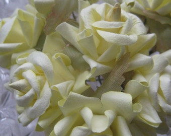 Paper Millinery Flowers 12 Dainty Roses In Pale Yellow