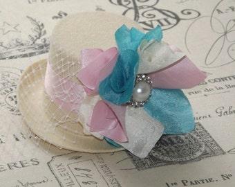 Mini top hat,  Birthday Party hats, tea party, mini top hat fascinator, Alice in wonderland, Smash Cake Props, Baby Headbands, Hairbows