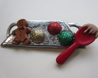Christmas baking pin Brooch with gingerbread man