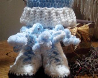 Roller Booties matching hat