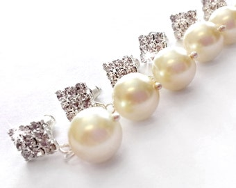 Earrings - Bridesmaid Set - Pearl & Crystal Dangle Bridesmaid Earrings - Rhinestone Bridesmaid Earrings - Enchanting Collection
