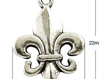 24 Royal French Fleur de Lis Charms, antique silver, 4837as