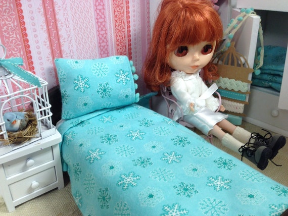 Blythe Aqua Flannel Sheet and Pillow set