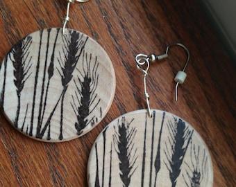 Wooden disc earrings-wheat pattern