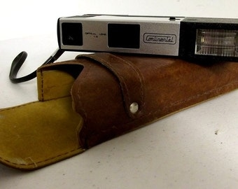 Continental ElectroFlash 555 vintage camera with holster case
