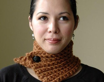 Hazelnut Button Neckwarmer