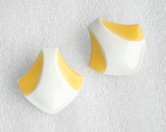 Yellow White 1980s  Earrings Vintage Retro New Wave Lemon Yellow Enamel Metal Pierced Earrings