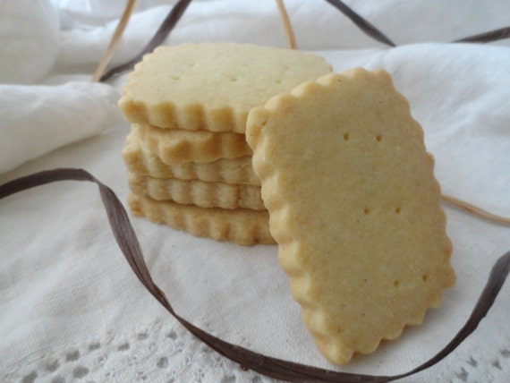 Vanilla Bean Shortbread Cookies by buckscountycookie on Etsy