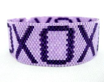Peyote Bracelet  / Beaded Bracelet in Purple and Violet / XO Bracelet / Beadwork Bracelet / Seed Bead Bracelet / Hugs and  Kisses Bracelet
