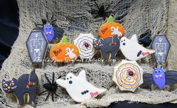 Reserved for Dee Ana----HALLOWEEN PARTY MIX - Halloween Cookies - Halloween Decorated Cookies - 12 Assorted Cookies