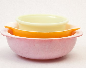Set of Three Mixing Bowls, Pyrex, Rainbow, pastel, colorful, vestiesteam