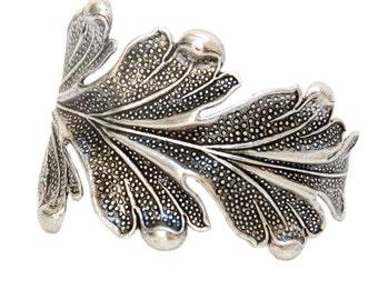 Handmade Leaf Bracelet, Woman Gift, Special gift, Unique bracelet, Handmade, Made in France, Elegant style, Fashionable, Valentine gift