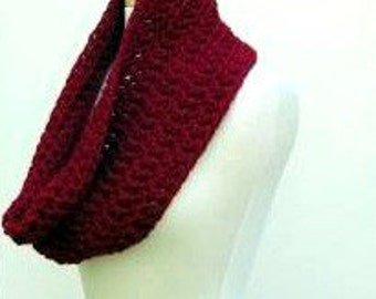 Cranberry Red Unisex Crochet Cowl Scarf, Chunky Crimson Acrylic Blend Snood