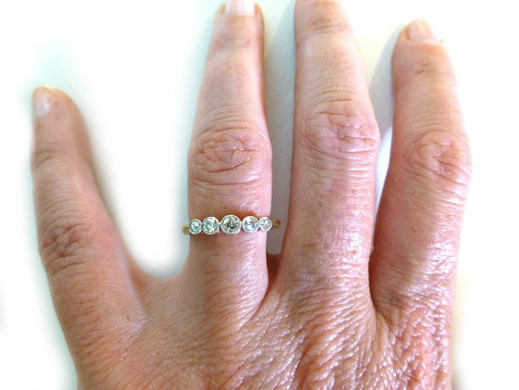 Antique Diamond 5 Stone Ring 18ct And Platinum Art Deco
