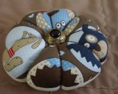 Pincushion Puppy Love Dog Fabric-Round Pincushion-Great Gift for Quilter or Learning to Sew FAAP OFG CPLG HaFAIR Ab4B