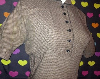 Vintage 1950s Brown and Back Women's Dress Small 34 Fitted Half Sleeves Swing Skirt