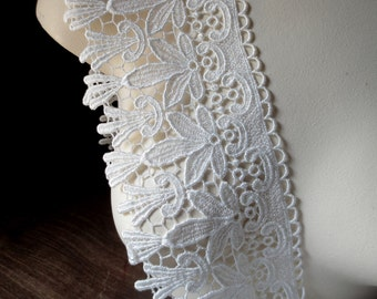 Venise Lace in Ivory Cream for Bridal, Cuffs, Jewelry or Costume Design L 217