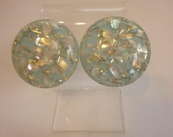 VTG Confetti Lucite Earrings Blue Discs w MOP Chips clip-on