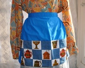 Retro Apron With Big Pockets/1970s Vintage/Cotton Serving Apron/Bright Blue And Novelty Coffee Print
