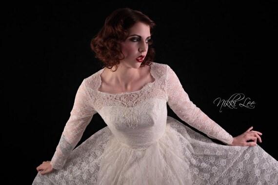 1950s Lace Long Sleeve Vintage Wedding Dress - Victorian, Steampunk ...