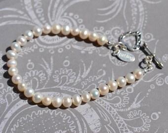 fatdog Bracelet - B 1115 Freshwater Pearl Single Strand with Sterling Silver Filigree Heart Toggle 7.75 Inch