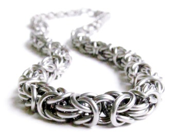 Chainmaille Necklace - Byzantine Pattern