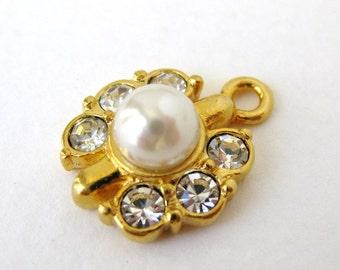 Vintage Rhinestone Pearl Charm Gold Pendant 20mm chm0196 (1)