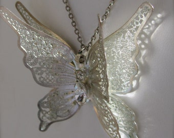 Stunning 3-D vintage ornate butterfly necklace with rhinestones