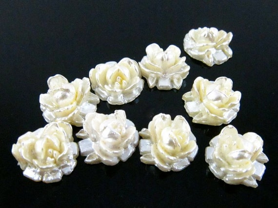 6 - Vintage Plastic Hand Painted Pearlized Rose Cabochons - Pearlized Light Yellow - 10mm