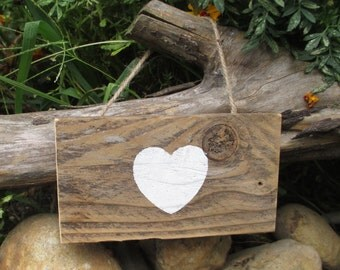 Heart Sign - Rustic Decoration for Home or Wedding