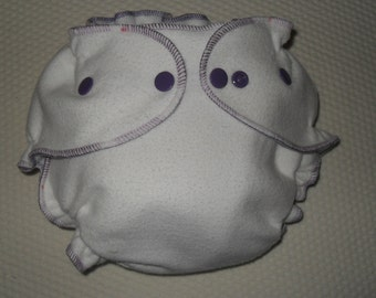 Bamboo/Zorb fitted diaper with purple snaps and purple swirl edging