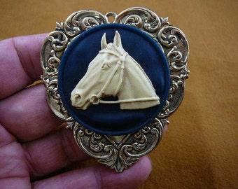 HORSE race Stallion head mare navy blue CAMEO Brooch Pin Pendant Brass I love horses CL54-13