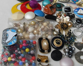 Sale & FREE  SHIPPING Lot 85 Pieces Vintage for Crafts and Jewelry Making Beads and Single Pieces Mixed Colors and Sizes