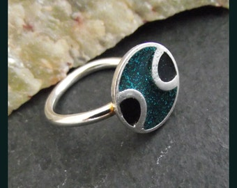 Sterling Silver two colour resin filled ring -  freesize - adjustable