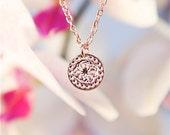 Rose Gold necklace, Minimalist necklace, Modern necklace, Flower necklace, Disc Pendant necklace, Dainty jewelry, Elegant necklace