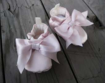 Classic Satin Bow Christening All Fabric Soft Sole Shoes / Made to Order / Many Colors Baptism
