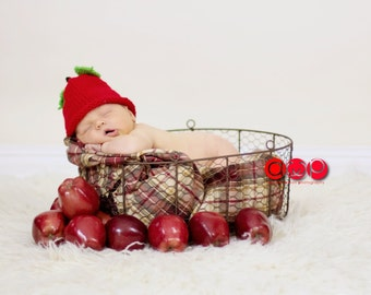 Infant Apple Hat 6 to 12 Months