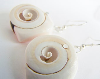 In the Heart - Sea Shell Slice Earrings - A beautiful gift - weddings bridesmaids - affordable gifts - beach treasures - preppy - ocean