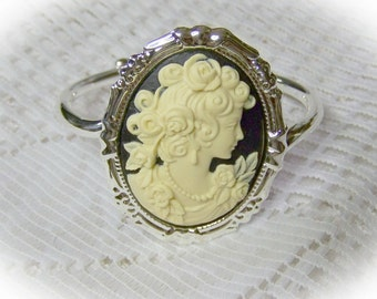 Classic Cameo Bracelet - Victorian Elegance - Black and Ivory - PORTRAIT - Silver - Cuff Bracelet