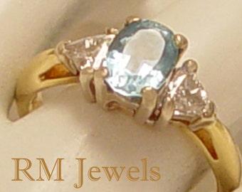 Very Special Aquamarine & Diamond 18Kt Gold Estate Ring Size 5.0