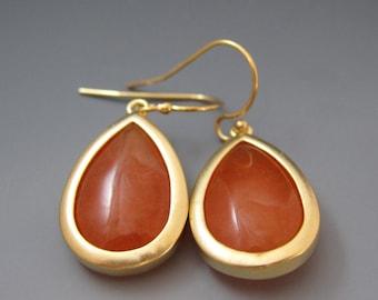 ON SALE / Gold & Orange Glass Earrings / Dangle Earrings / Gifts for Here / Summer Accessories / Tangerine Earrings /