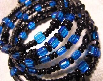 Handmade Beaded Memory Wire Bracelet, Cobalt Blue Glass Beads Black Beads, Bangle Bradelet, Memory Wire, Artisan Design
