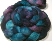 Hand dyed BFL wool roving - hand painted spinning felting fiber - 4.4 oz Midnight Sea - ocean hand dyed top