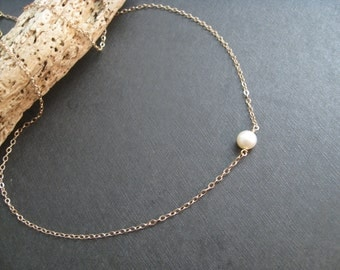 Rose Gold or Gold Filled Single Pearl Necklace Minimalist Necklace Tiny Coin Pearl Necklace Bridesmaid jewelry Single Pearl Necklace