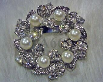 Crystal n White Pearls Round Bridal brooch Vintage Look rhinestone brooch wedding hair accessoriess bridesmaid, Button focal point hair comb